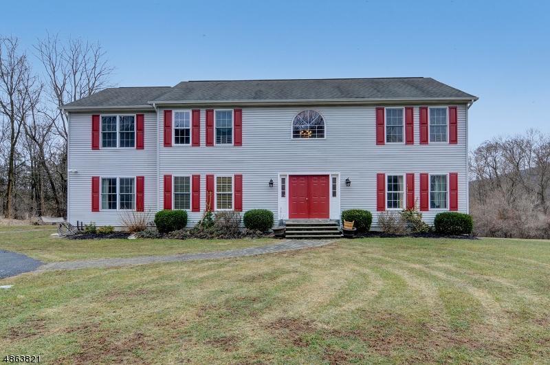 Частный односемейный дом для того Продажа на 33 TAMARACK Road White Township, Нью-Джерси 07823 Соединенные Штаты