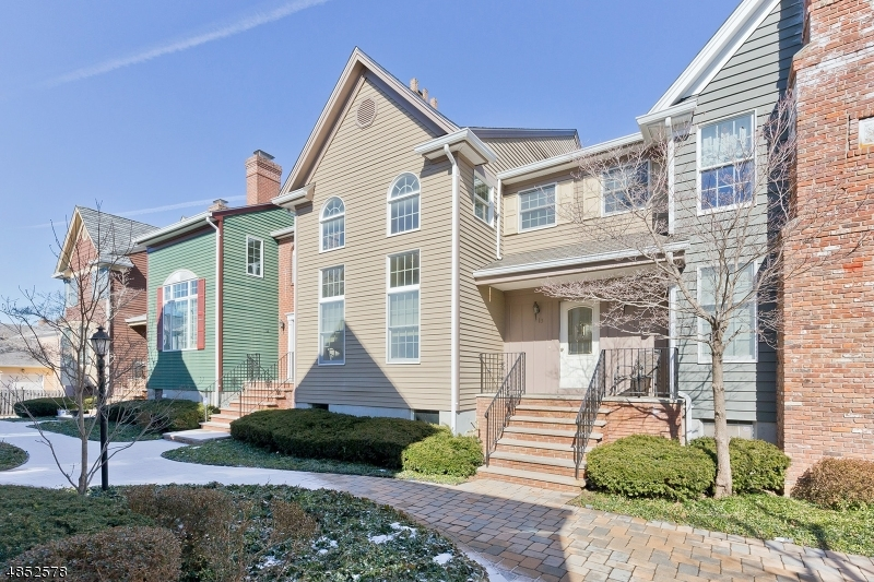Condominium for Sale at 13 MURRAY HILL MNR 13 MURRAY HILL MNR New Providence, New Jersey 07974 United States