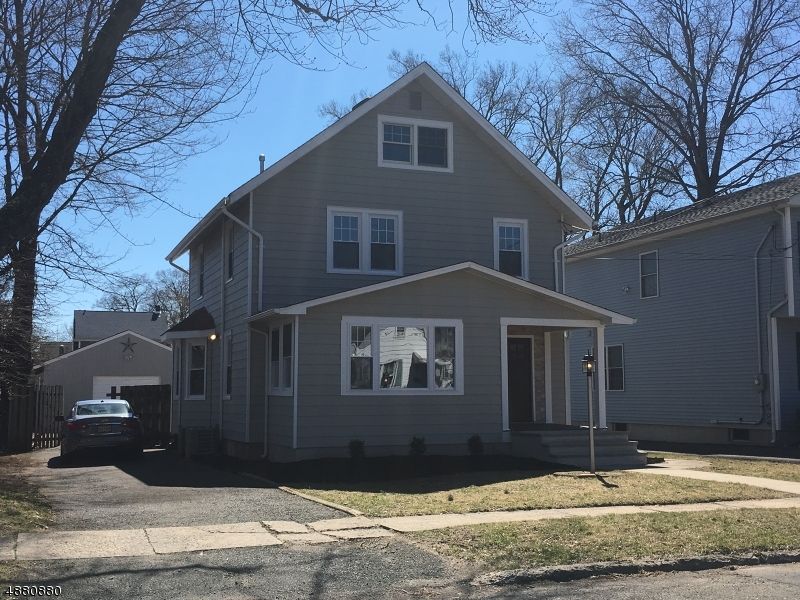 Maison unifamiliale pour l Vente à 513 2ND Street Dunellen, New Jersey 08812 États-Unis
