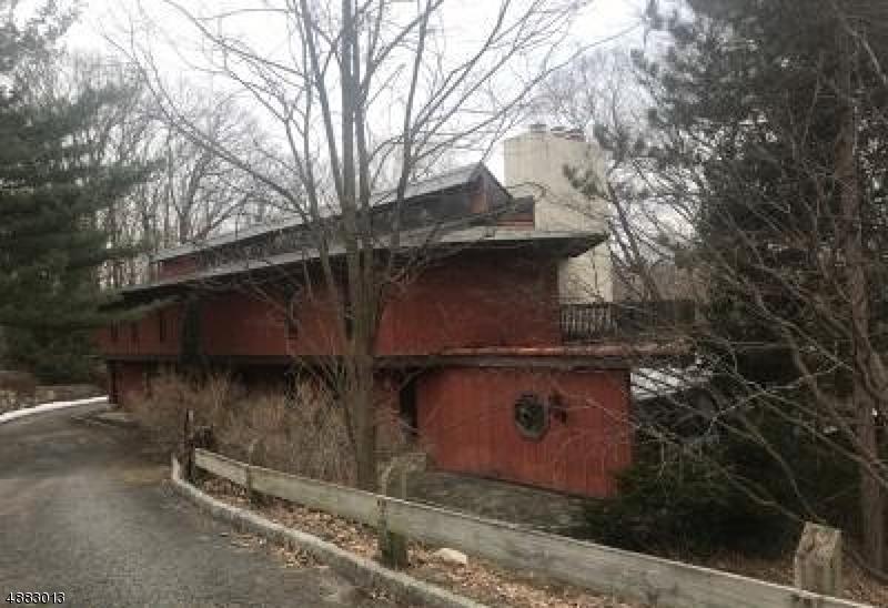 Casa Unifamiliar por un Venta en 26 HIGHLANDS Drive Kinnelon, Nueva Jersey 07405 Estados Unidos