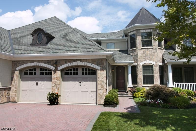 Condo / Radhus för Försäljning vid Ramsey, New Jersey 07446 Förenta staterna