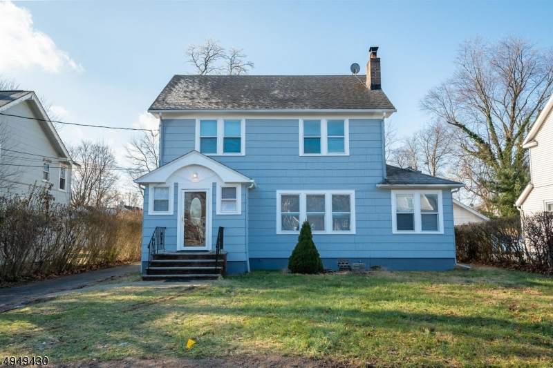 Single Family Homes for Sale at North Plainfield, New Jersey 07063 United States