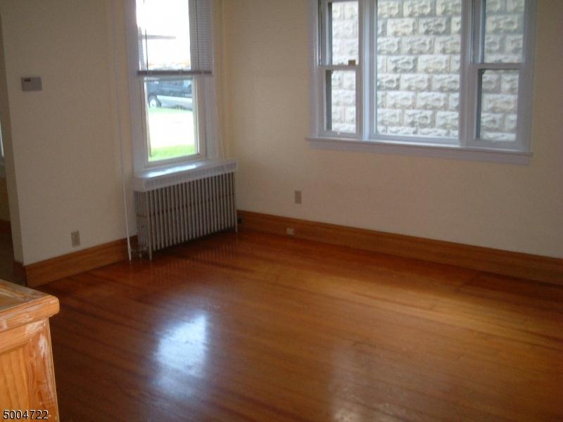 Single Family Homes 為 出售 在 Alpha, 新澤西州 08865 美國