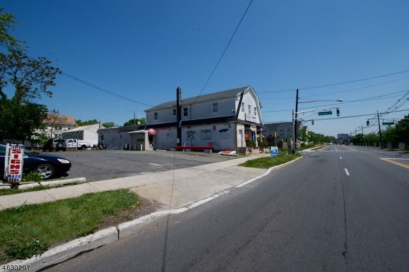 Additional photo for property listing at 543 SOMERSET Street  Somerset, New Jersey 08873 United States