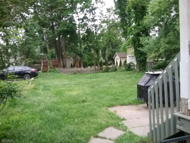 Additional photo for property listing at 109-11 E 9TH Street  Plainfield, New Jersey 07060 États-Unis