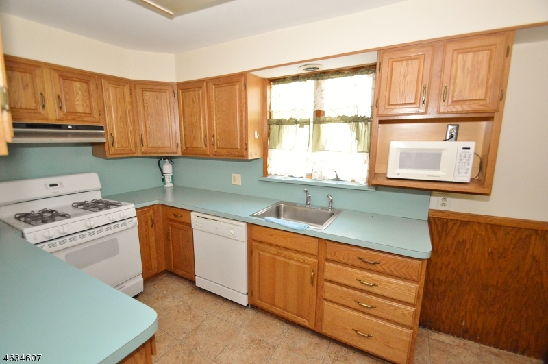 Additional photo for property listing at 17-19 E. Main Street  Sussex, New Jersey 07461 États-Unis