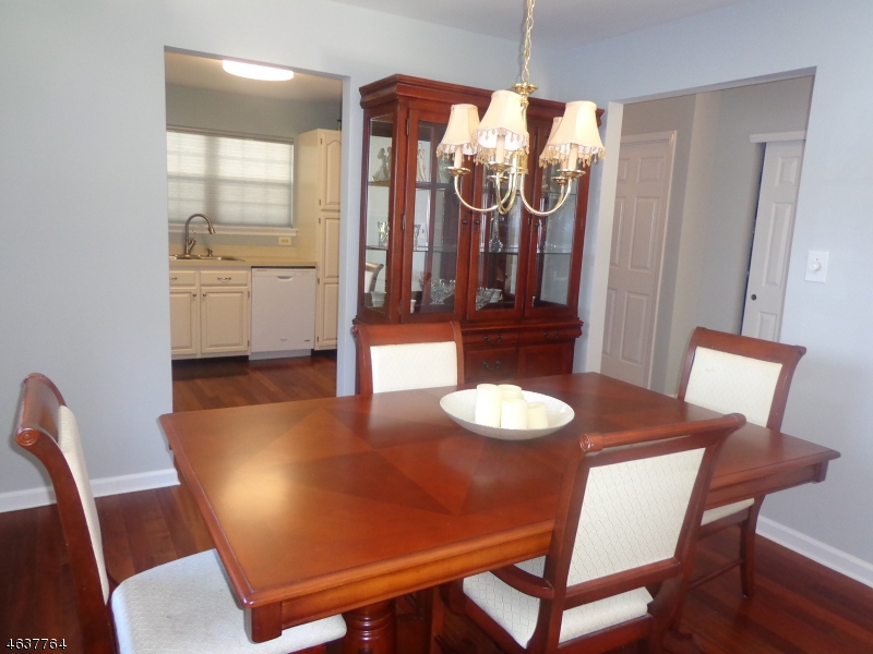 Additional photo for property listing at 74 Hickory Way  Mount Arlington, New Jersey 07856 États-Unis