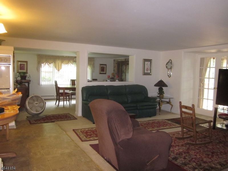 Additional photo for property listing at 39 Lake Shore Drive  Sparta, Нью-Джерси 07871 Соединенные Штаты