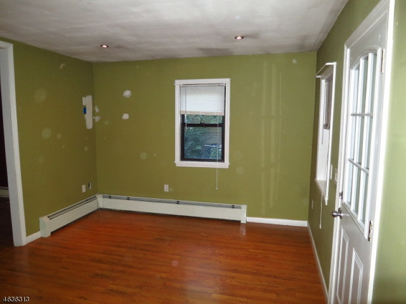 Additional photo for property listing at 13 Geneva Trail  Hopatcong, New Jersey 07843 United States