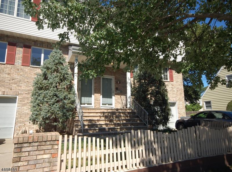 Многосемейный дом для того Продажа на 661 Coles Street Maywood, Нью-Джерси 07607 Соединенные Штаты