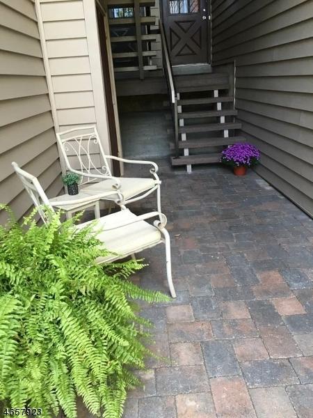 Casa Unifamiliar por un Alquiler en 26 N Slope Clinton, Nueva Jersey 08809 Estados Unidos