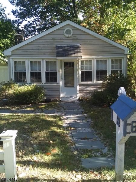 Частный односемейный дом для того Аренда на 134 Orben Drive Landing, Нью-Джерси 07850 Соединенные Штаты