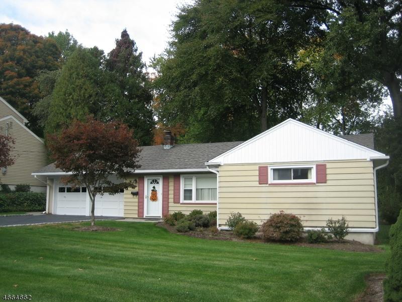 Single Family Home for Sale at 19 Waldo Avenue Midland Park, 07432 United States
