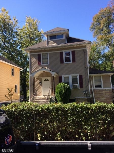 Casa Multifamiliar por un Venta en 210 Pine Street Roselle, Nueva Jersey 07203 Estados Unidos