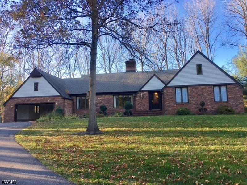 Casa Unifamiliar por un Alquiler en 37 PERRYVILLE Road Pittstown, Nueva Jersey 08867 Estados Unidos
