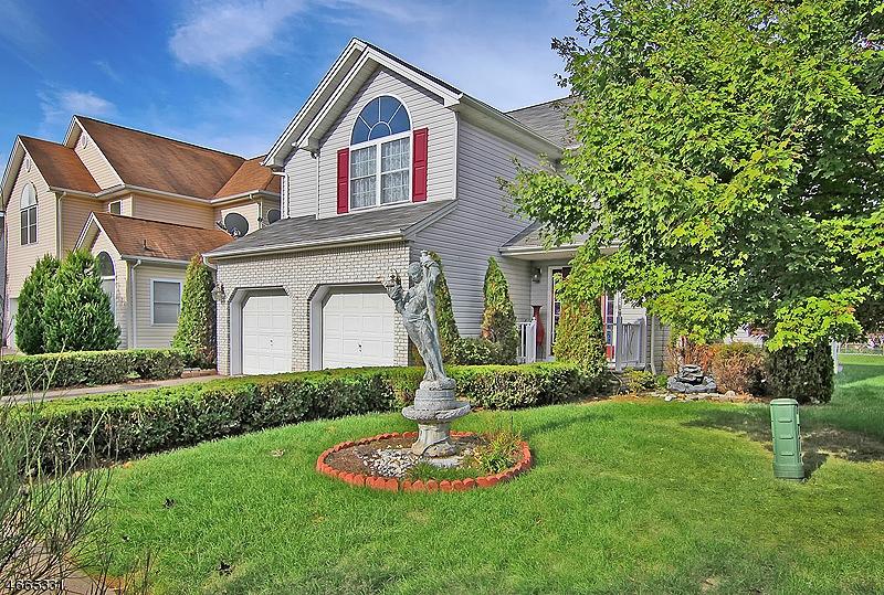 Частный односемейный дом для того Продажа на 5 Cottage Road Fanwood, 07023 Соединенные Штаты
