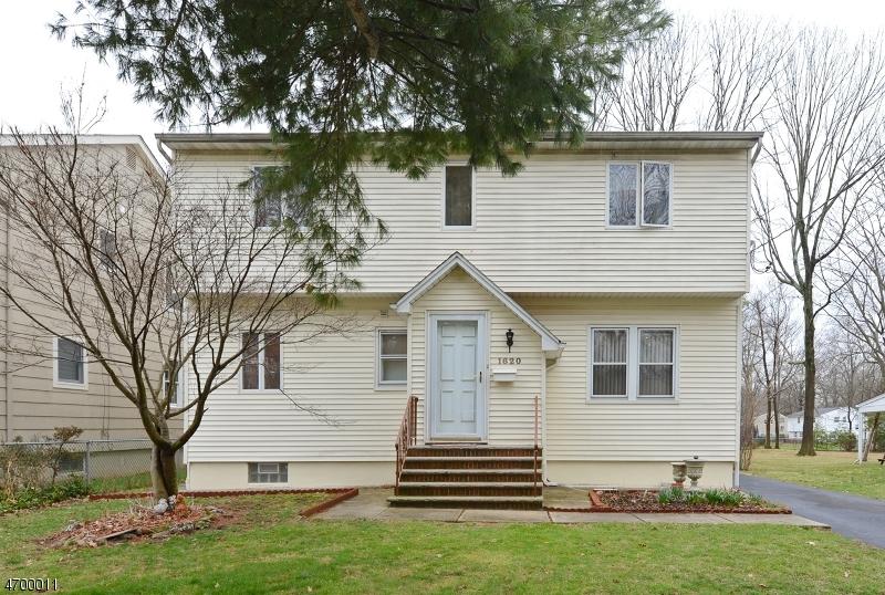 Частный односемейный дом для того Продажа на 1620 Summit Avenue Westfield, Нью-Джерси 07090 Соединенные Штаты