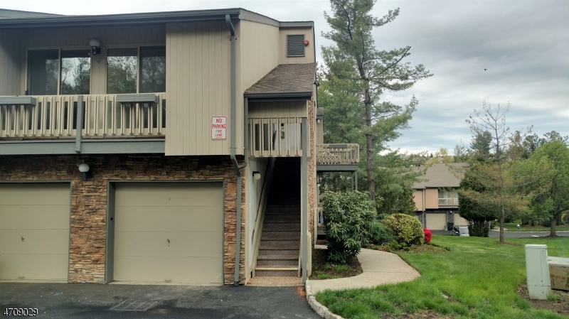 Single Family Home for Rent at 64 Kayser Lane West Orange, 07052 United States