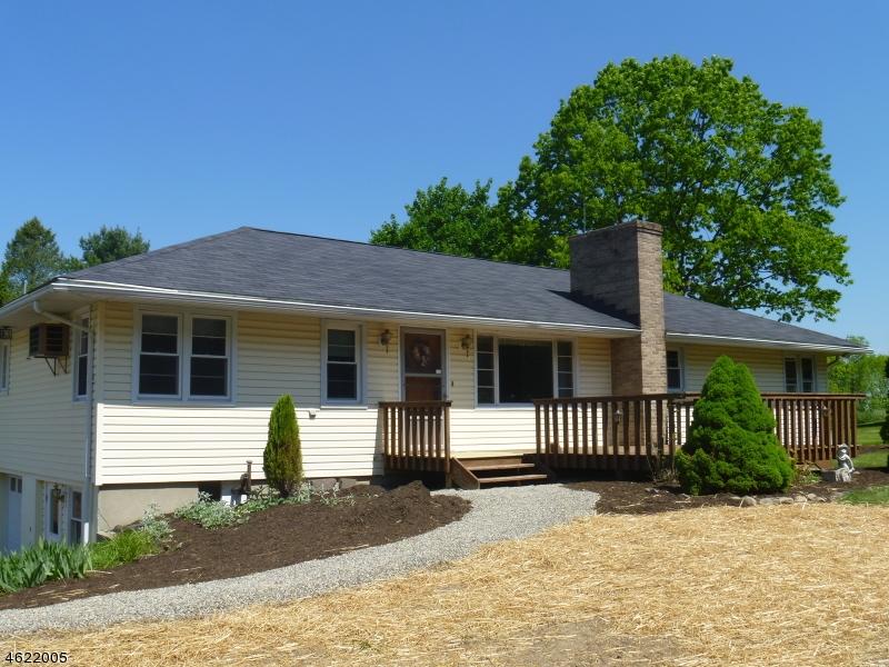 Casa Unifamiliar por un Venta en 76 Silver Lake Road Blairstown, Nueva Jersey 07825 Estados Unidos