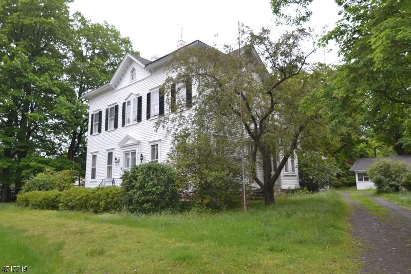 独户住宅 为 销售 在 49 Dewey Avenue High Bridge, 新泽西州 08829 美国