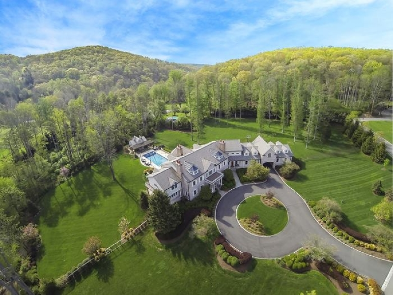 Single Family Home for Sale at 1 Pine Hollow Lane Mendham, New Jersey 07931 United States