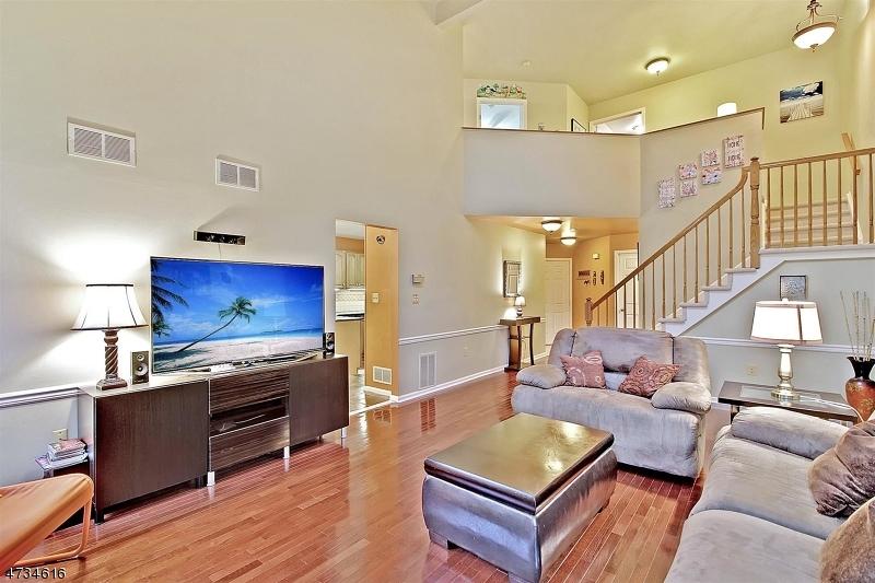 Частный односемейный дом для того Аренда на 8 Woodmont Drive Randolph, Нью-Джерси 07869 Соединенные Штаты