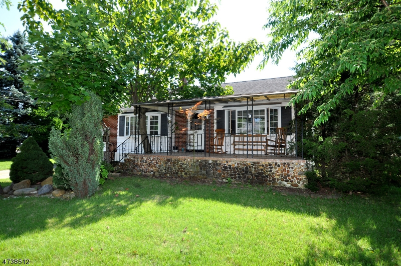 Single Family Home for Sale at 23 Landon Drive 23 Landon Drive Bordentown, New Jersey 08505 United States