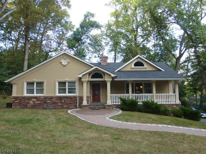 Casa Unifamiliar por un Alquiler en 120 Lakeview Avenue Watchung, Nueva Jersey 07069 Estados Unidos