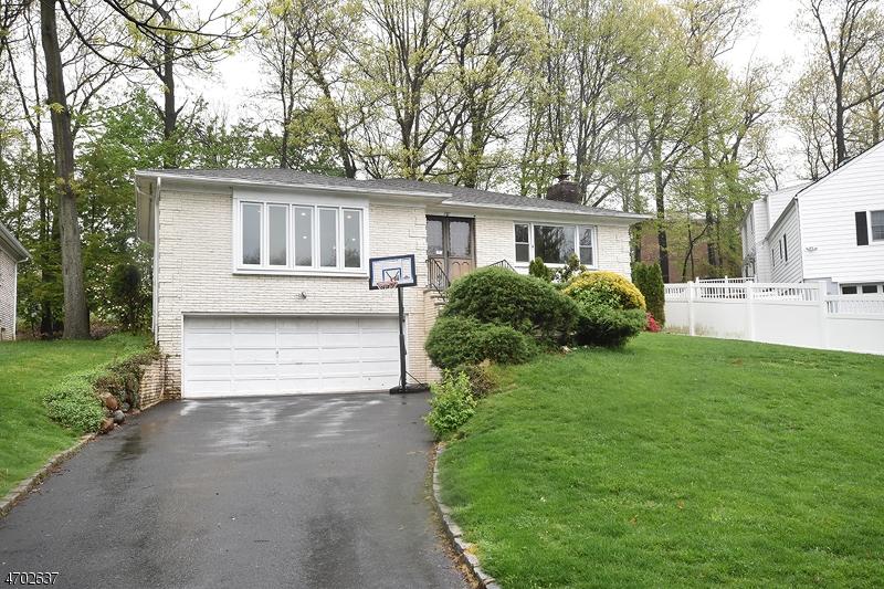 Maison unifamiliale pour l à louer à 297 TAYLOR RD S Millburn, New Jersey 07078 États-Unis