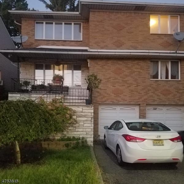Частный односемейный дом для того Аренда на 107 Washington Avenue Fort Lee, Нью-Джерси 07024 Соединенные Штаты