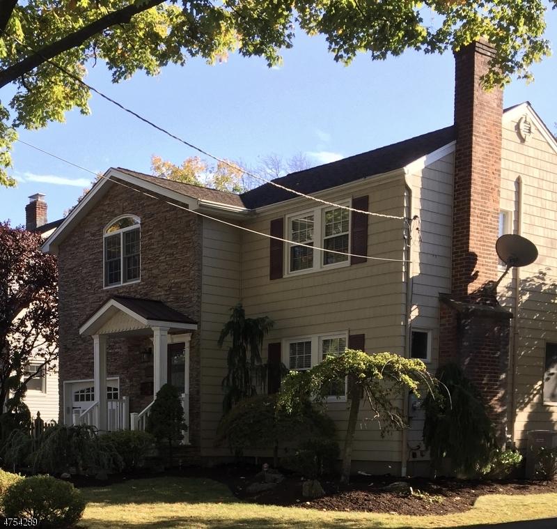 Maison unifamiliale pour l Vente à 13 Lyons Avenue Roseland, New Jersey 07068 États-Unis