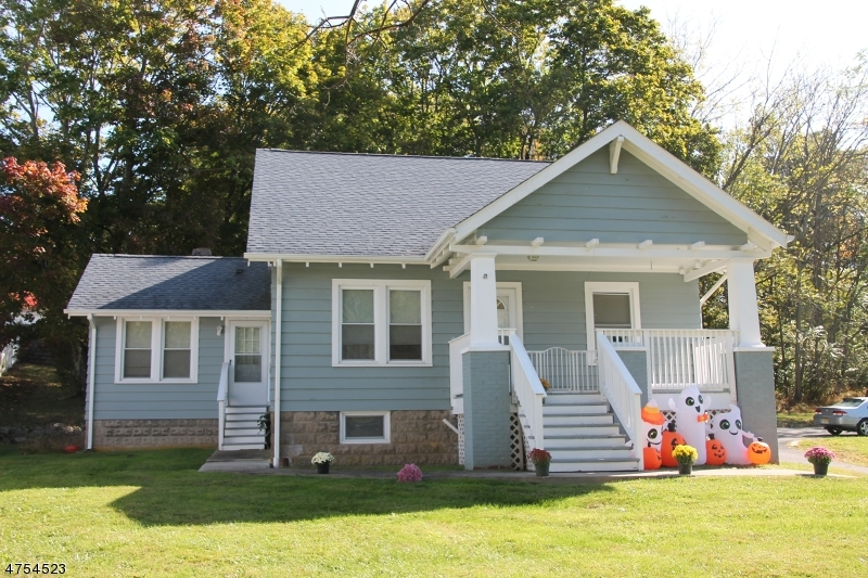 Частный односемейный дом для того Продажа на 220 STATE ROUTE 31 S Washington, Нью-Джерси 07882 Соединенные Штаты
