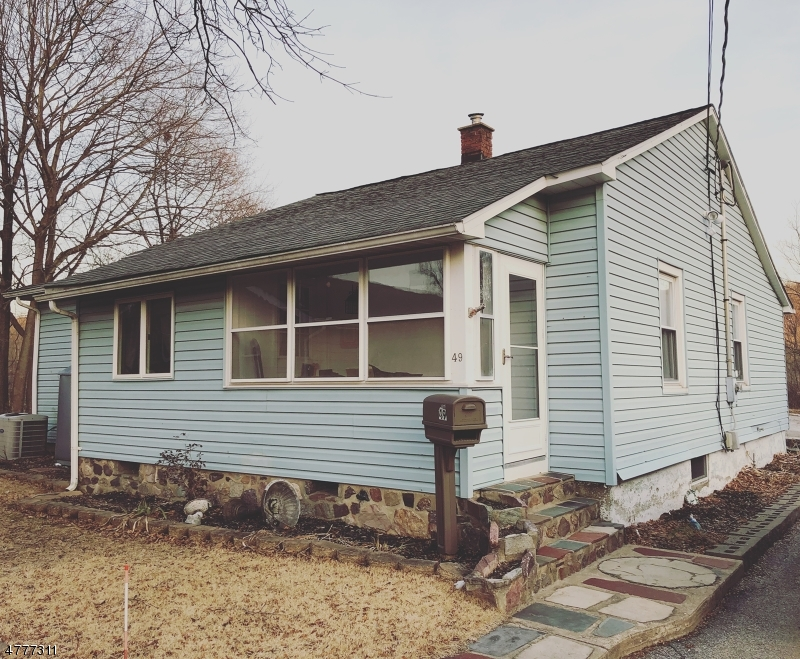 Single Family Home for Sale at 49 Bridge Street Ogdensburg, New Jersey 07439 United States