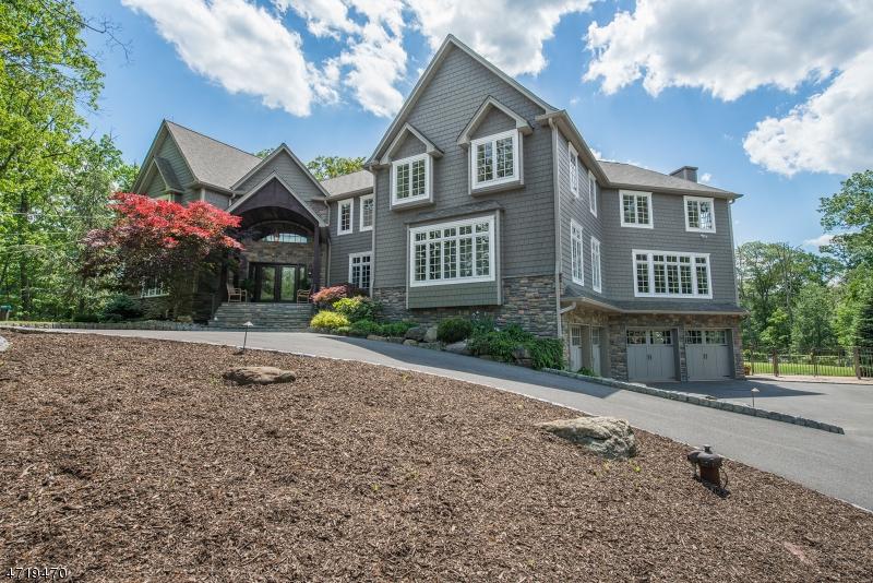 Частный односемейный дом для того Продажа на 25 Red Oak Lane Kinnelon, Нью-Джерси 07405 Соединенные Штаты