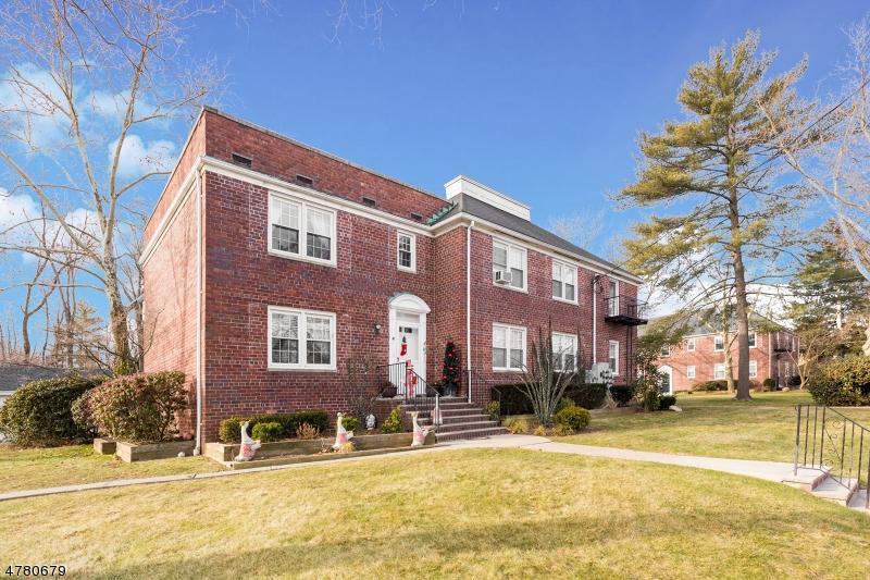 Maison unifamiliale pour l à louer à 495 Main Street Chatham, New Jersey 07928 États-Unis