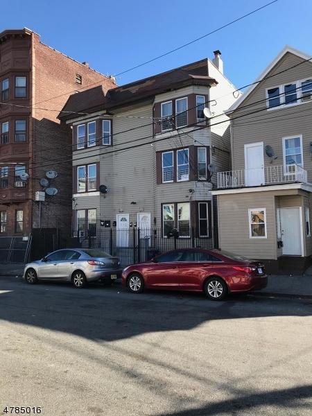 Commercial pour l Vente à 775 E 19TH Street Paterson, New Jersey 07501 États-Unis