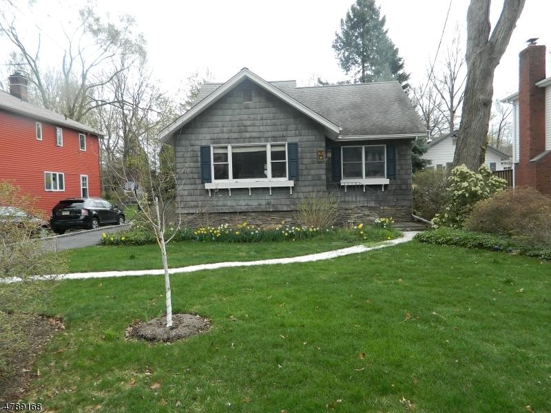 Maison unifamiliale pour l Vente à Address Not Available Midland Park, New Jersey 07432 États-Unis