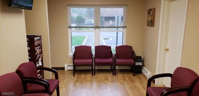 Thương mại vì Thuê tại 117 Seber Rd, Suite 4B Hackettstown, New Jersey 07840 Hoa Kỳ
