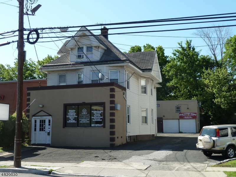 Vivienda multifamiliar por un Venta en 438 WESTFIELD Avenue Elizabeth, Nueva Jersey 07208 Estados Unidos