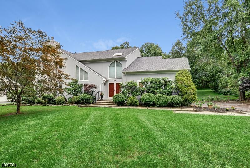 Частный односемейный дом для того Аренда на 28 KNOLLCROFT Road Bernards Township, Нью-Джерси 07920 Соединенные Штаты
