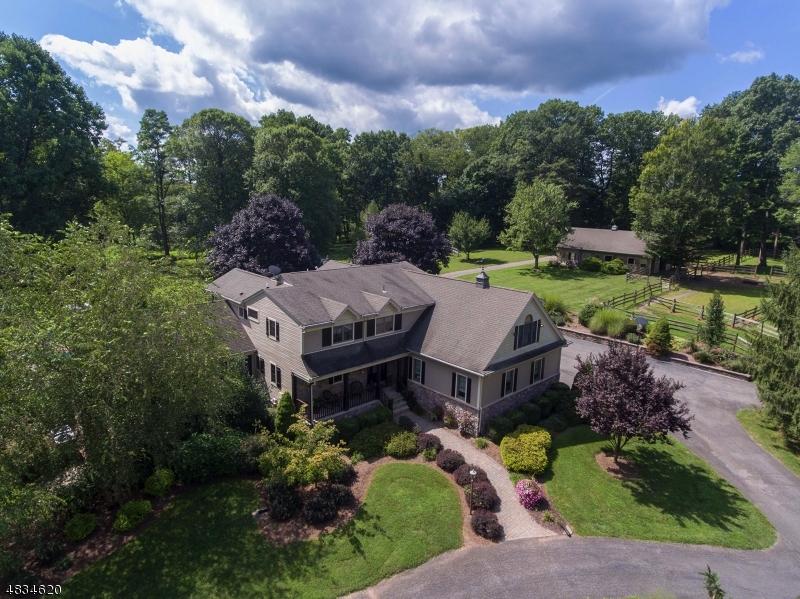 Villa per Vendita alle ore 10 TARA WAY Franklin, New Jersey 08867 Stati Uniti