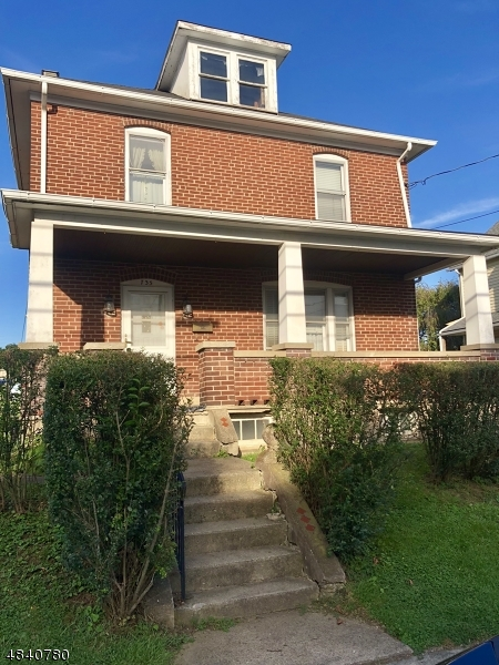 Single Family Home for Sale at 735 COLUMBUS AVE 735 COLUMBUS AVE Phillipsburg, New Jersey 08865 United States