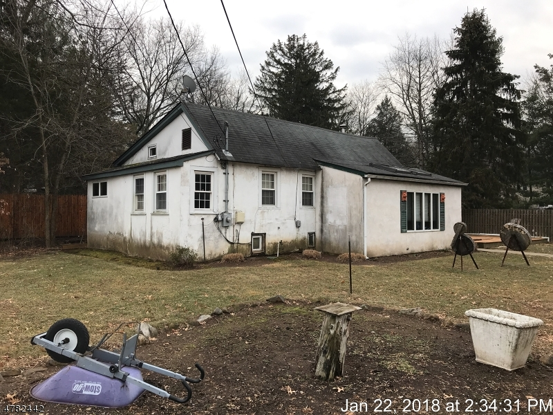 Tek Ailelik Ev için Satış at 19 BROADWAY Lane Fairfield, New Jersey 07004 Amerika Birleşik Devletleri