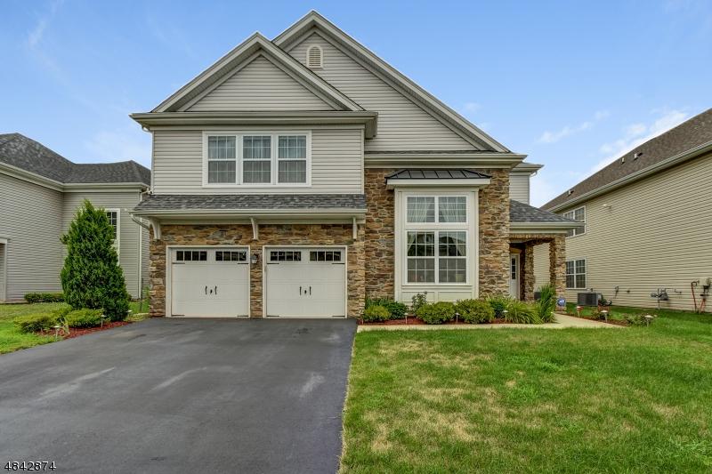 Частный односемейный дом для того Продажа на 15 AMARYLLIS Lane Piscataway, Нью-Джерси 08854 Соединенные Штаты