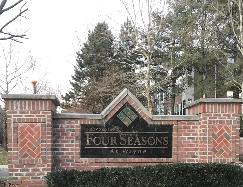 Condominium for Sale at 303 FOUR SEASONS DR #303 303 FOUR SEASONS DR #303 Wayne, New Jersey 07470 United States