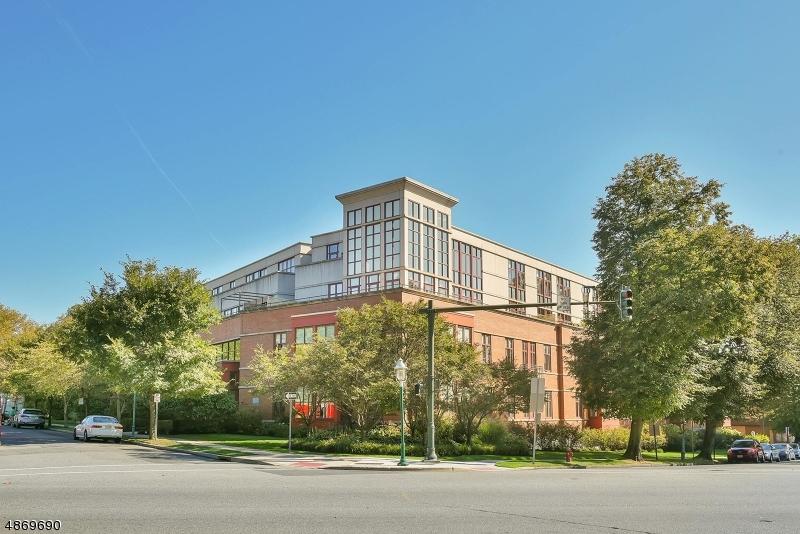 Кондо / дом для того Продажа на Glen Ridge, Нью-Джерси 07028 Соединенные Штаты