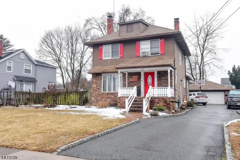 Частный односемейный дом для того Продажа на 26 BURNSIDE Place Wanaque, Нью-Джерси 07420 Соединенные Штаты