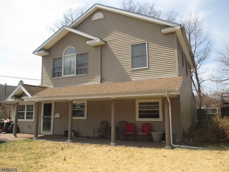 Single Family Home for Sale at 51 Howard Ave 51 Howard Ave Rochelle Park, New Jersey 07662 United States