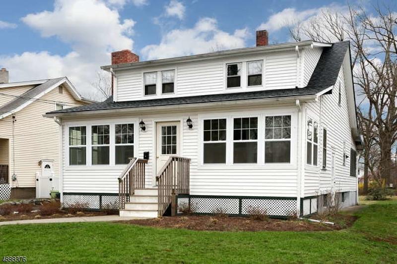 Maison unifamiliale pour l Vente à 34 DAIRY Street Midland Park, New Jersey 07432 États-Unis