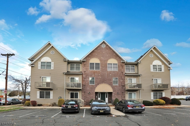 Condo / Townhouse for Sale at Kearny, New Jersey 07032 United States